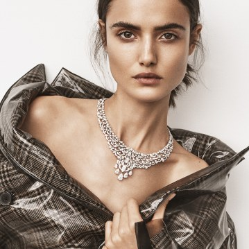 Harpers-Bazaar-Turkey-January-2018-Blanca-Padilla-Tom-Schirmacher-9