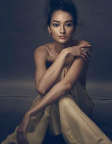 Vogue-Mexico-February-2018-Bruna-Tenorio-Mark-Veltman-2
