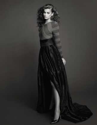 Vogue-Spain-January-2018-Taylor-Hill-Bjorn-Iooss-2