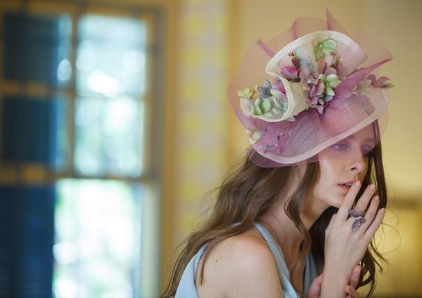 graciella-starling-busca-inspiracao-na-primavera-inglesa-em-novo-editorial_3.jpg
