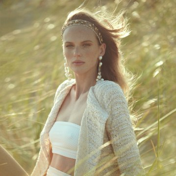 Harpers-Bazaar-Chile-Summer-2018-Anne-Vyalitsyna-Pedro-Quintana-2