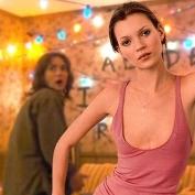 A jovem Kate Moss invade o cen‡rio do seriado Stranger Things