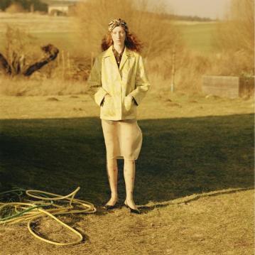 Lorna-Foran-by-Marton-Perlaki-for-Zeit-Magazine-1