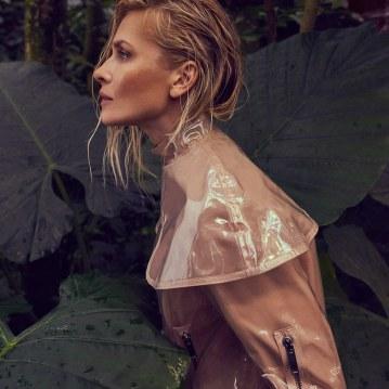 Valentino-Spring-Summer-2018-Daniela-Pestova-by-Andreas-Ortner-12