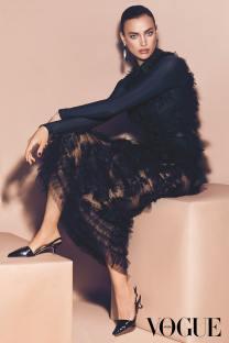 Vogue-Arabia-February-2018-Irina-Shayk-by-Miguel-Reveriego-1-3