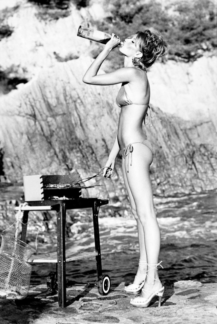 Gisele Bündchen na ilha de Saint Tropez em 2004 Foto: Ellen von Unwerth/ Galeria Mario Cohen/ Divulgação