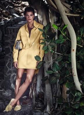 Harpers-Bazaar-Germany-April-2018-by-Julia-van-Os-by-Marcin-Tyszka-6