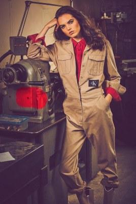 Vogue-Arabia-March-2018-Lily-Stewart-Guy-Aroch-2