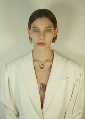 Vogue-Poland-March-2018-Jude-Gralak-Aurelia-Le-1