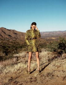 Vogue-Spain-April-2018-Amanda-Murphy-Bjorn-Iooss-4