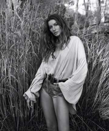 WSJ-Magazine-April-2018-Gisele-Bundchen-Mikael-Jansson-6-850x1024