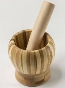 Pilão de bambu com socador (R$ 15,99) na Rota 99 Foto: Fotos: Zeca Wittner