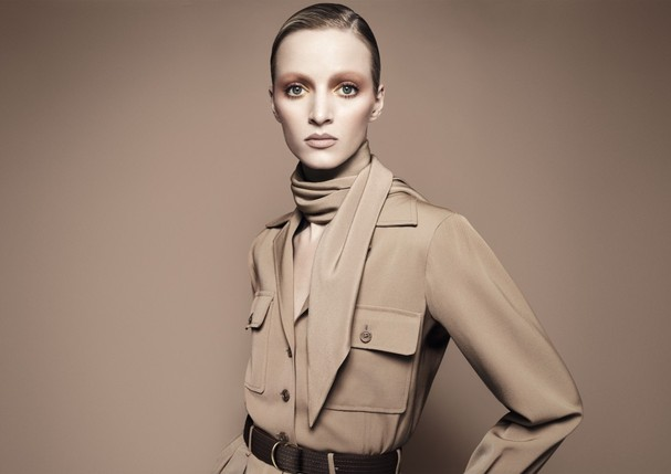 natural-radiant-longwear-foundation-campaign-visual-full-med-res