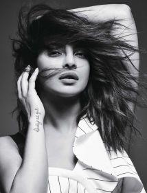 priyanka-chopra-fashion-shoot03ef3b2483bfec8badb4f442d0e182066e_thumb