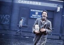PAUL MCCARTNEY, LIVERPOOL, 1970 Além de Paul e os Beatles, Linda Eastman McCartney ficou famosa por retratar grandes nomes do rock como The Who, Jimi Hendrix, The Doors, Traffic, Simon and Garfunkel, Bob Dylan, Otis Redding, entre outros Foto: Linda McCartney