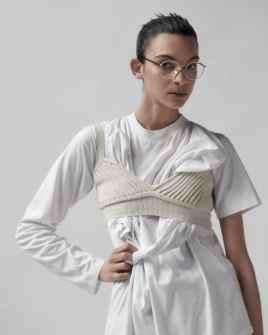 Vogue-Portugal-April-2018-Jess-Cole-Molly-Smith-Branislav-Simoncik-12-818x1024