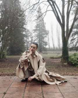 Vogue-Portugal-April-2018-Jess-Cole-Molly-Smith-Branislav-Simoncik-16-818x1024