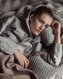 Vogue-Portugal-April-2018-Jess-Cole-Molly-Smith-Branislav-Simoncik-2-818x1024