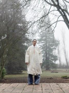 Vogue-Portugal-April-2018-Jess-Cole-Molly-Smith-Branislav-Simoncik-6