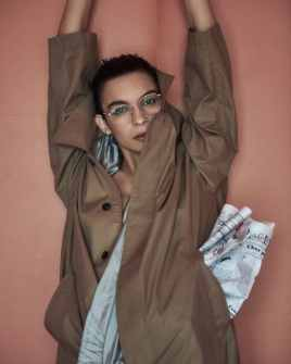 Vogue-Portugal-April-2018-Jess-Cole-Molly-Smith-Branislav-Simoncik-9-818x1024