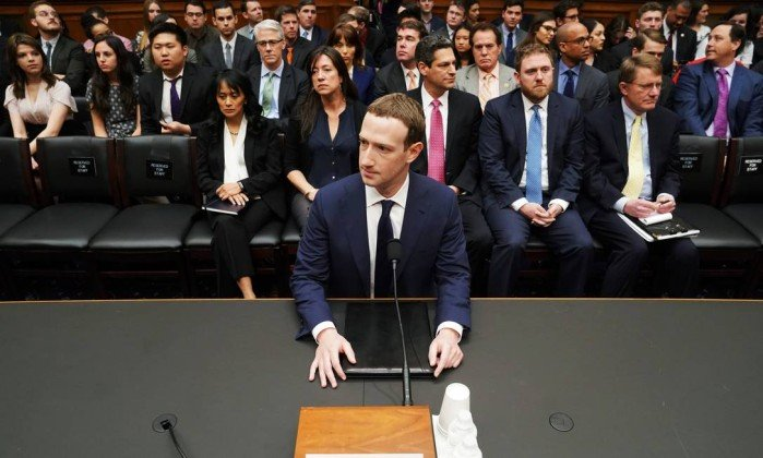 x76122477_Facebook-CEO-Mark-Zuckerberg-arrives-to-testify-before-a-House-Energy-and-Commerce-hearing.jpg.pagespeed.ic.osp0qbhjnM