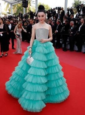 CNN01. CANNES (FRANCIA), 08/05/2018.- Fan Bingbing llega para la proyección de 'Everybody Knows' (Todos Lo Saben) y la Ceremonia de Apertura del 71° Festival de Cine de Cannes hoy, martes 8 de mayo de 2018, en Cannes (Francia). Presentada en competencia, la película abre el festival que se celebra del 8 al 19 de mayo. EFE/SEBASTIEN NOGIER