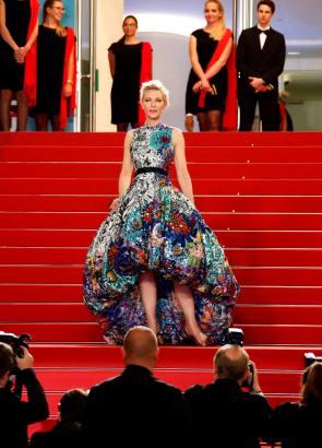 """CAN18. CANNES (FRANCIA), 10/05/2018.- La actriz y productora australiana Cate Blanchett, presidenta del jurado del Festival de Cannes, llega a la proyección de la película """"Cold War"""" en el Festival de Cine de Cannes hoy, jueves 10 de mayo de 2018, en Cannes (Francia). La 71ª edición del Festival de Cannes se celebra del 8 al 19 de mayo de 2018. EFE/Franck Robichon"""