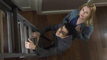 O Exorcista Baseada no clássico filme dos anos 1970, série com Alfonso Herrera e Geena Davis teve duas temporadas.