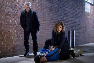 Shades of Blue Série policial com Jennifer Lopez e Ray Liotta parecia algo para ter muito futuro, mas não - ficou somente na terceira temporada.