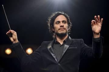 Mozart in the Jungle A série estrelada pelo astro mexicano Gael Garcia Bernal, que conta a história de um maestro da Orquestra de Nova York, foi cancelada após a quarta temporada.