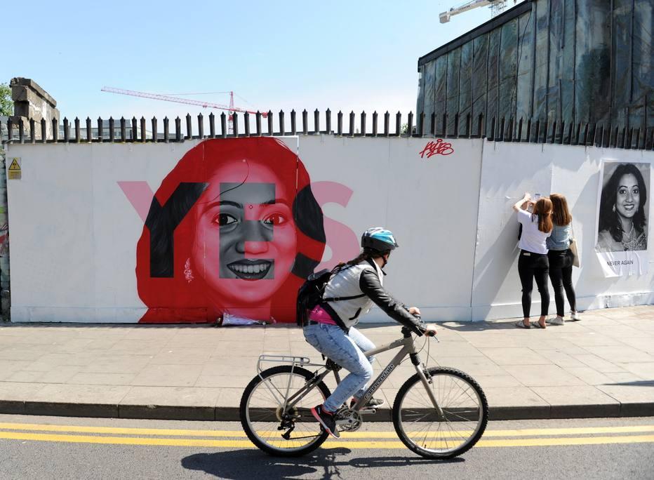 """El referéndum irlandés sobre el aborto transcurre con participación """"animada"""""""