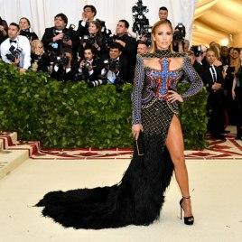 Dinero, dinero, dinero: Balmain em terceiro com Jennifer Lopez