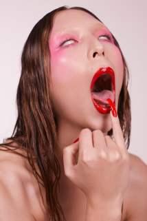 Funnytastes-Magazine-Issa-Lish-Zoey-Grossman-21