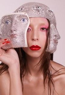 Funnytastes-Magazine-Issa-Lish-Zoey-Grossman-24