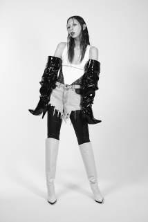 Funnytastes-Magazine-Issa-Lish-Zoey-Grossman-26