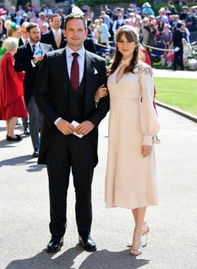 Patrick J. Adams e a esposa Troian Bellisario. (Ian West/Getty Images)