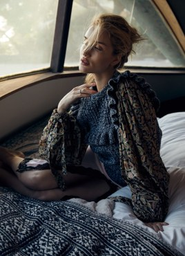 Harpers-Bazaar-Australia-Rosie-Huntington-Whiteley-Darren-McDonald-7