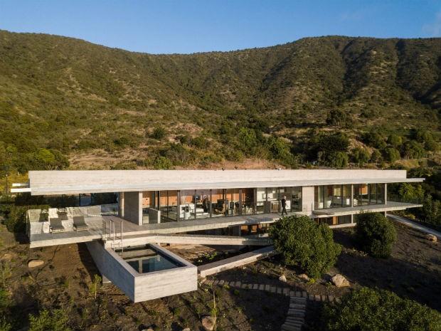 house-h-felipe-assadi-arquitectos-architecture-house-chile_dezeen_2364_col_2-1704x1277