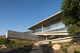 house-h-felipe-assadi-arquitectos-architecture-house-chile_dezeen_2364_col_30-1704x1136
