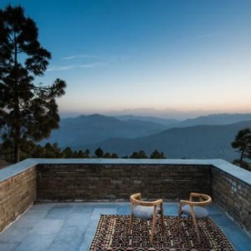 kumaon-hotel-zowa-architecture-hotels-india-mountains_dezeen_2364_col_10-1704x1056_4WVNqIb