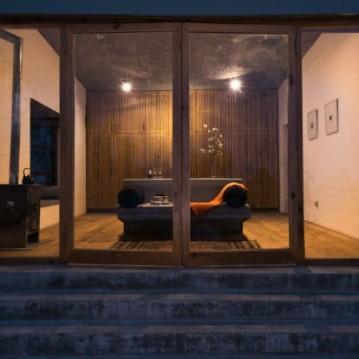 kumaon-hotel-zowa-architecture-hotels-india-mountains_dezeen_2364_col_9-1704x1137