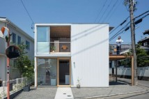 square-house-suzuki-architecture-residential-japan-shops_dezeen_2364_col_1-1704x1136