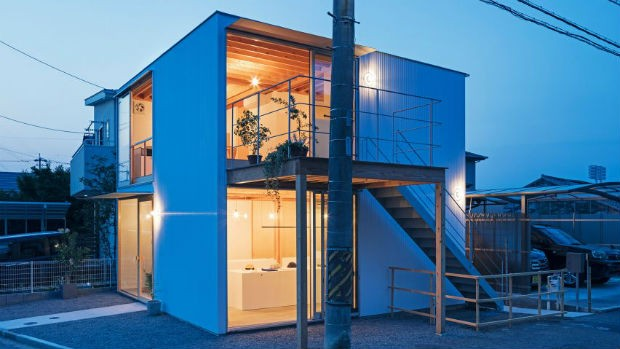 square-house-suzuki-architecture-residential-japan-shops_dezeen_hero-1-852x479