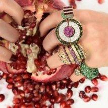Pedras coloridas em anéis que fogem do óbvioFoto: Divulgação