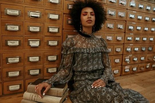 Fashion-Editorials-Kamila-Irobi-Dominik-Lozinski-7