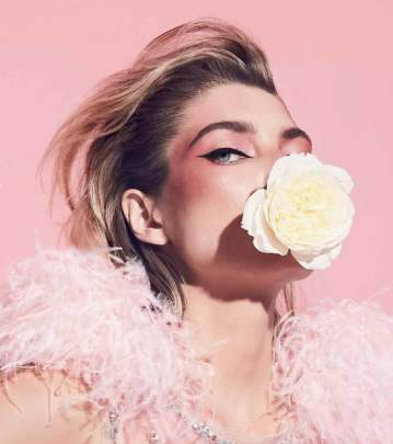Harpers-Bazaar-Chile-Jessica-Hart-Pedro-Quintana-12