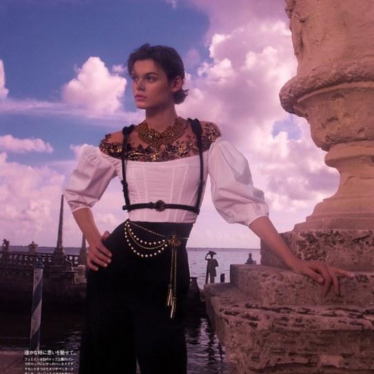 Vogue-Japan-Cara-Taylor-Emma-Summerton-1-2