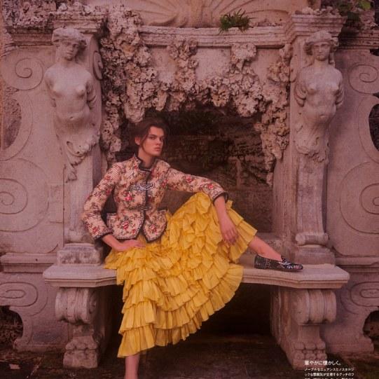 Vogue-Japan-Cara-Taylor-Emma-Summerton-4