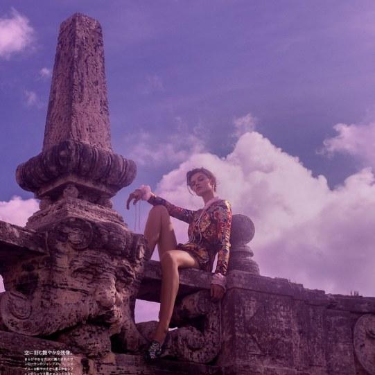 Vogue-Japan-Cara-Taylor-Emma-Summerton-7