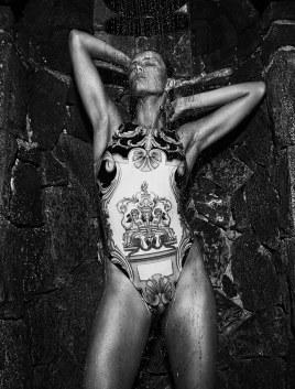 Vogue-Paris-July-2018-Edie-Campbell-Mikael-Jansson-10